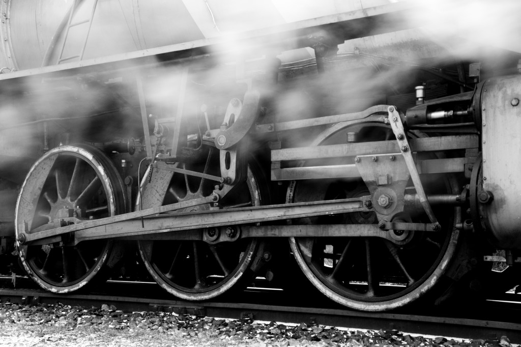 Steam_locomotive_running_gea